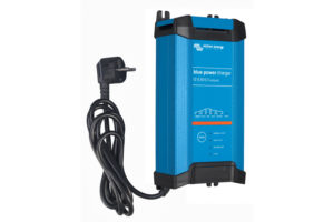 bpc123023002_blue-power_charger_1230-ip223_230v50hzleft-cable
