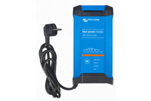 bpc241523002_blue-power_charger_2415-ip223_230v50hzfront