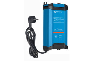bpc241523002_blue-power_charger_2415-ip223_230v50hzleft-cable