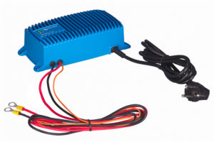 blue-power-charger-si-ip671-230v50hz-left_no_type