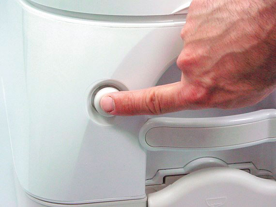 detail_portable_toilet_push_rinse_button